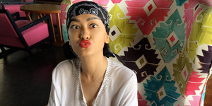 Foto Pakai Baju Transparan, Julia Perez Tak Pakai Bra?