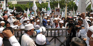 FPI Tuntut Ahok Lengser, Ancam Bakar Gedung Balai Kota
