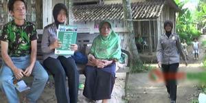 Kisah Gadis Desa Jadi Polwan, Keluarga Miskin Rumahnya dari Bambu