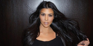 Lagi, Kourtney Kardashian Pamer Foto Super Hot Pakai Bikini