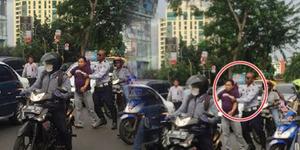 Petugas Dishub Arogan Pukuli Pengendara di Jalan, 'Lo Diem Aja!'