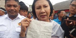 Ratna Sarumpaet Dapat Surat 'Penggemar' Disebut Nenek Sihir