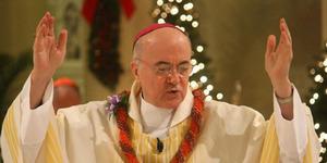 Uskup Agung Rela Mundur Karena Tolak Pernikahan Gay