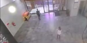 Video: Detik-detik Mengerikan Atap AEON Mall Tangerang Ambruk