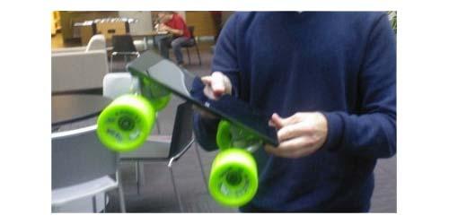 Presiden Windows Jadikan Tablet Surface Menjadi Skateboard