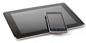 Asus Padfone Smartphone Sekaligus Tablet