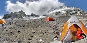 Mendaki Gunung Everest dan Kilimanjaro dengan Google Street View