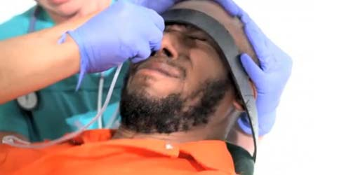 Aksi Kejam Amerika Paksa Tahanan Guantanamo Makan