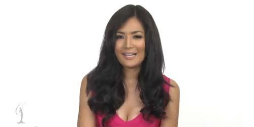 Sesi Wawancara Puteri Indonesia Maria Selena di Miss Universe 2012
