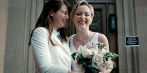 Iklan Microsoft Tampilkan Pernikahan Lesbian