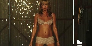 Jadi Penari Striptis, Jennifer Aniston Menggoda di Trailer Were the Millers