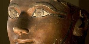 Seram, Patung Dewa Osiris di Museum Inggris Bergerak Sendiri